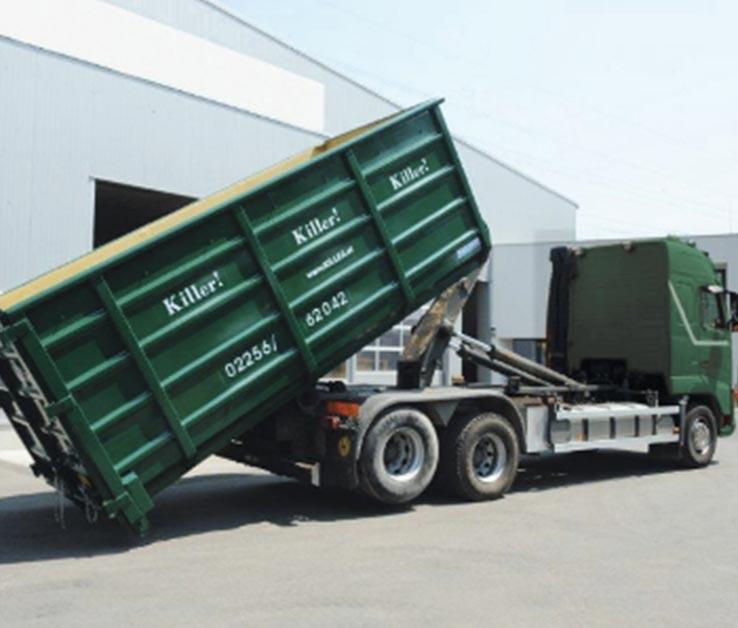 Entrümpelung LKW mit Container